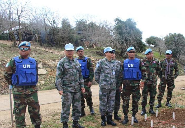 (国际)(1)中柬赴黎维和部队交流扫雷经验