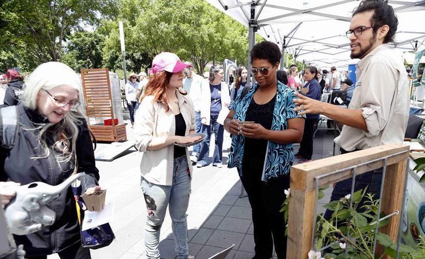 (XHDW)(1)休斯敦举办活动纪念世界地球日