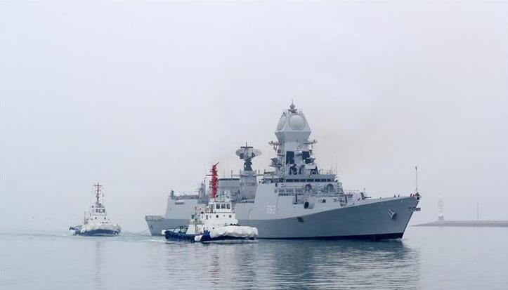 (人民海军70年)(3)来华参加多国海军活动的外国军舰抵达青岛