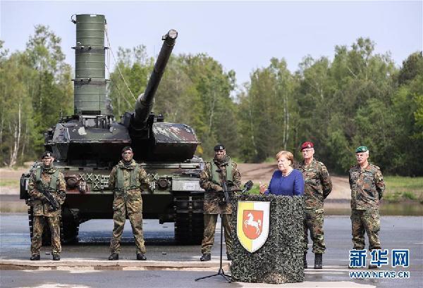 (国际)(1)默克尔视察驻德北约快速反应部队