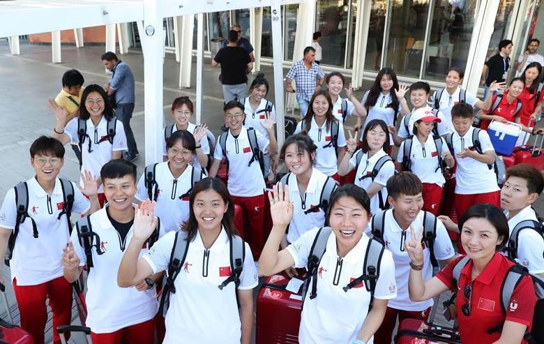 (大运会)(1)中国大学生体育代表团抵达意大利