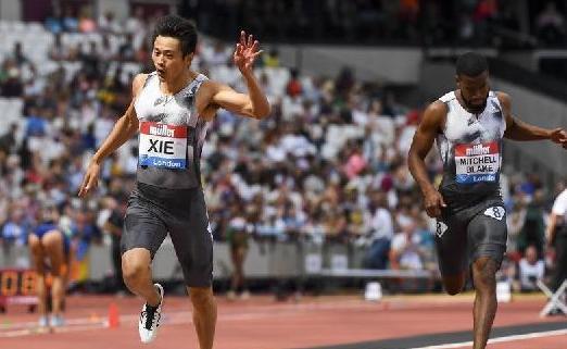(体育)(3)田径——谢震业获得钻石联赛伦敦站男子200米冠军并打破亚洲纪录
