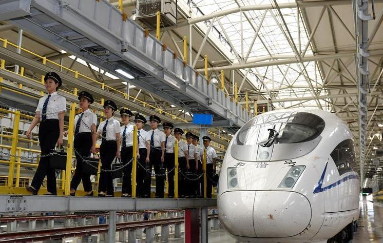 (社会)(1)国内铁路将迎来首批女动车组司机