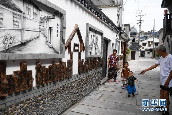 (社会)(1)浙江湖州:小城镇环境整治 重现江南古镇风韵