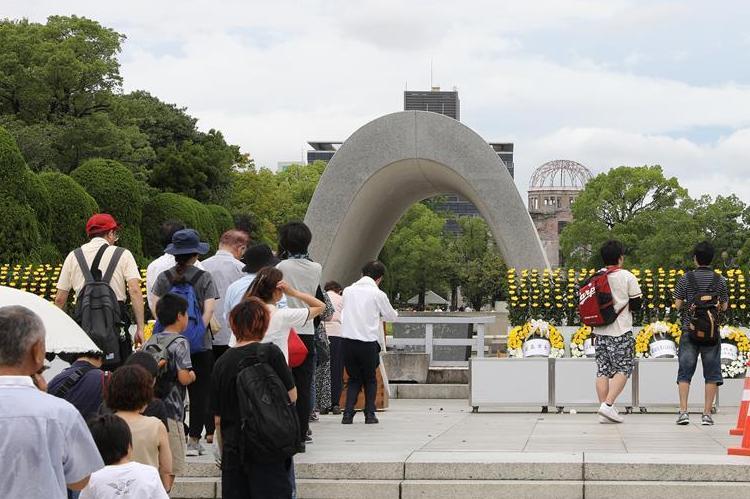 (国际)(5)广岛民众悼念原子弹轰炸死难者 呼唤和平