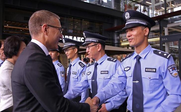(国际)(1)中国与塞尔维亚首次警务联巡启动