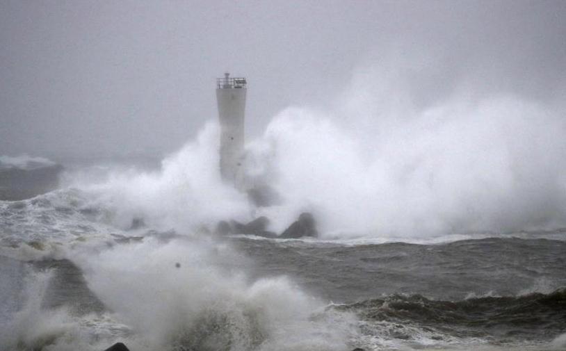 """(国际)(1)强台风""""海贝思""""登陆日本"""