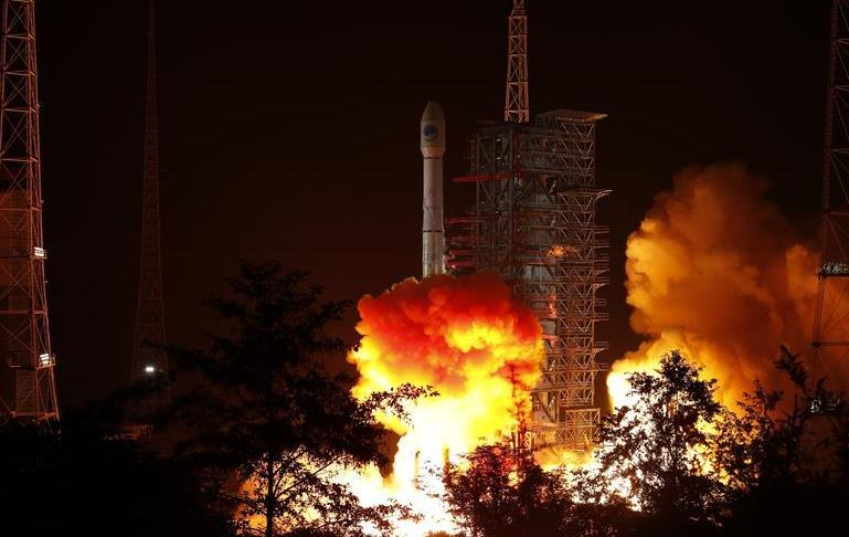 (图文互动)(1)我国成功发射第49颗北斗导航卫星