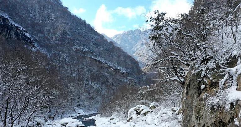 (美丽中国)(7)雪落秦岭 重峦茫茫