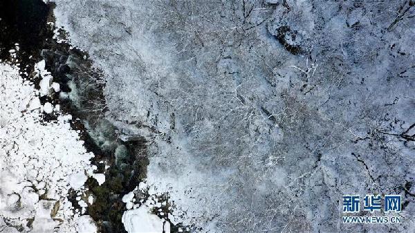 (美丽中国)(2)雪落秦岭 重峦茫茫