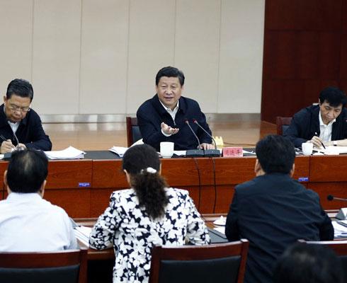 """这三年:习近平治国理政 靠""""铁""""实现中国梦"""