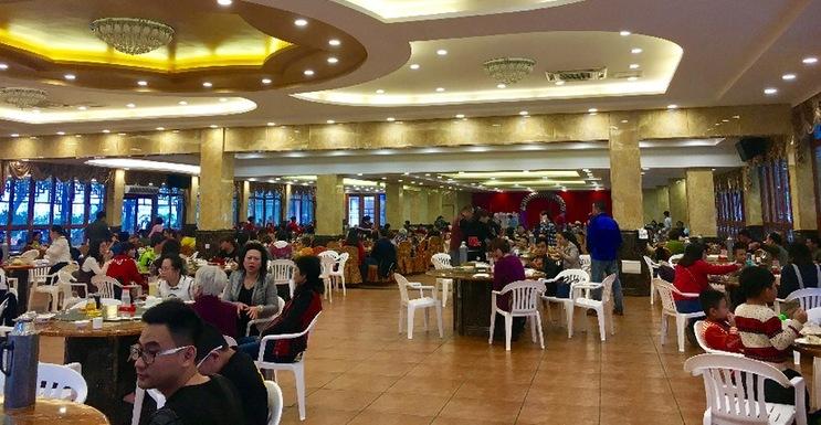 春节期间海口各茶楼茶店经营火热 游客赞不绝口