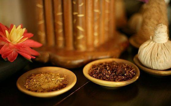 养生方:赤小豆粉葛陈皮煲鲮鱼汤