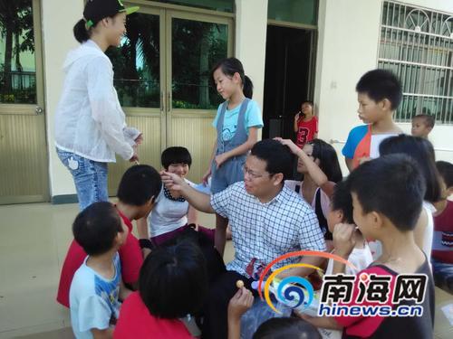 海大教师赵红亮11年助学不断
