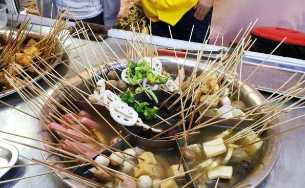 海南特色美食文化节开幕——美食哪里有,请去水巷口!