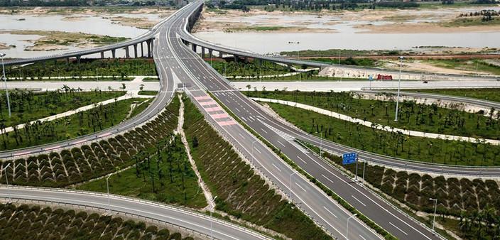定海大桥连接线加快施工