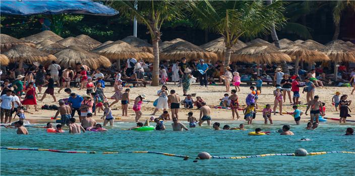 国庆长假海南分界洲岛接待游客4.06万人次 散客居多