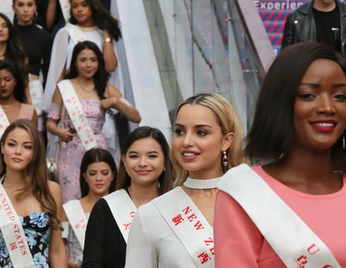 靓!世界小姐全球总决赛120位佳丽亮相海口(组图)
