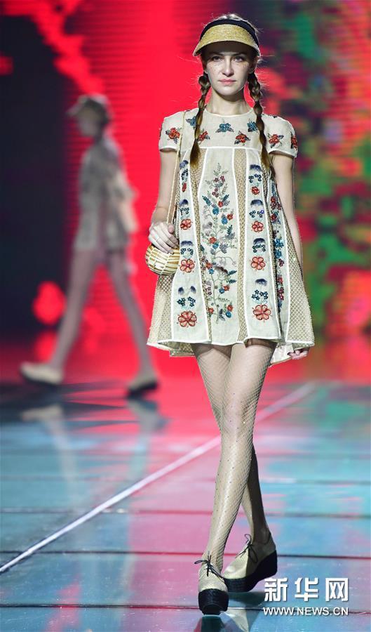 (文化)(2)丝绸之路国际时装周在西安举行