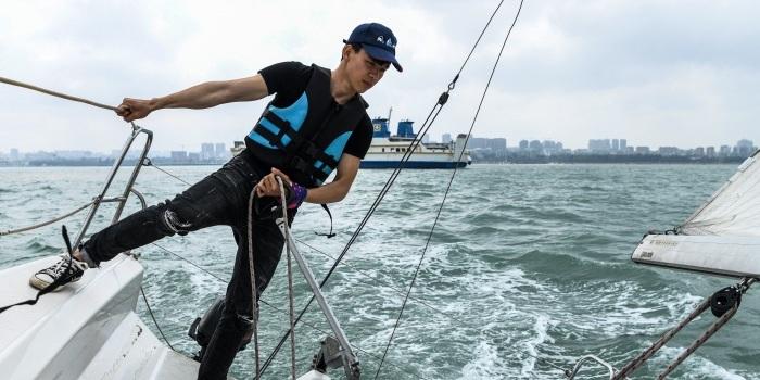 """澳门葡京官方娱乐平台""""高冷""""帆板运动开放 体验海上搏击乐趣"""