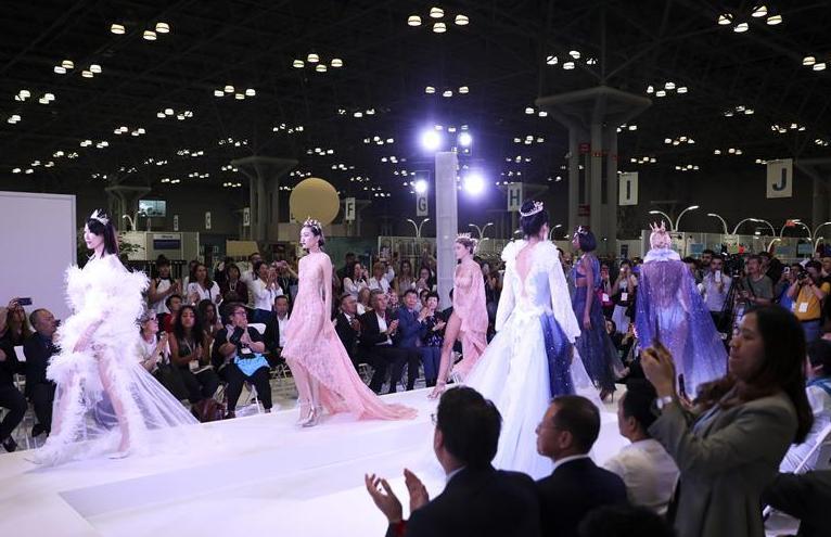 (新華視界)(3)中國紡織品服裝貿易展覽會在紐約開幕