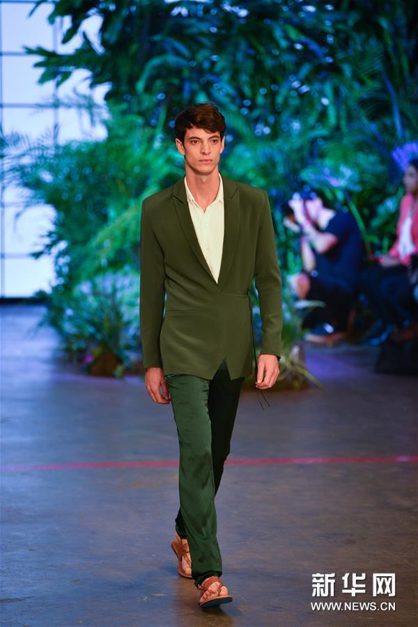 (国际)(4)克里斯·戈伊里品牌亮相2020墨西哥城春夏时装周