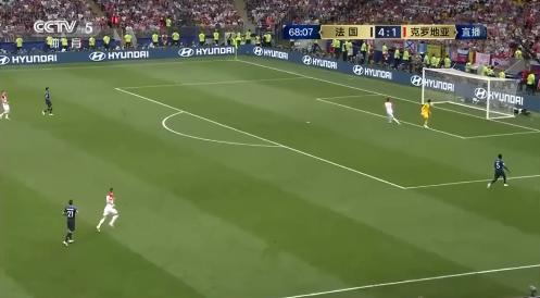 【世界杯决赛】4-2!洛里低级失误送曼朱基奇破门